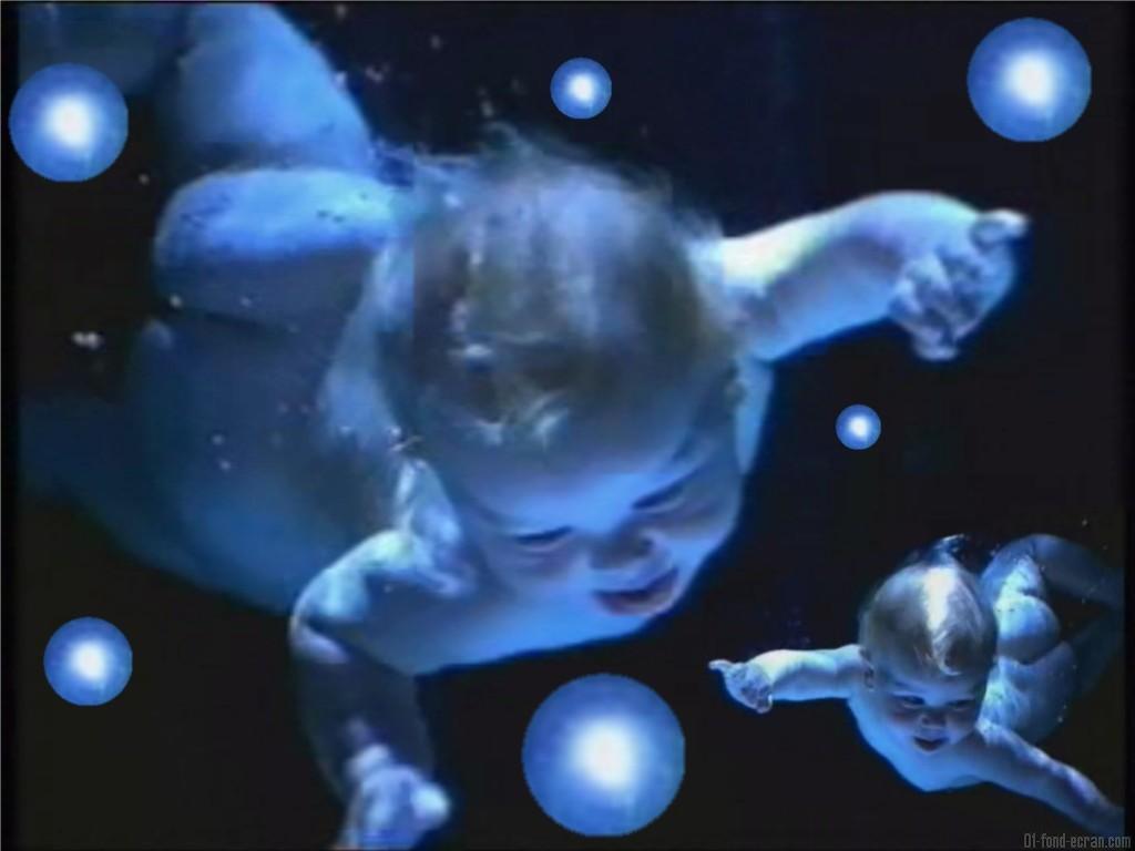 Fond ecran bebe for Fond image gratuit